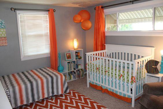 Orange, Gray and Aqua Shared Boys Room - Project Nursery   Buena idea cuando no tienes suficientes habitaciones es tu casa.
