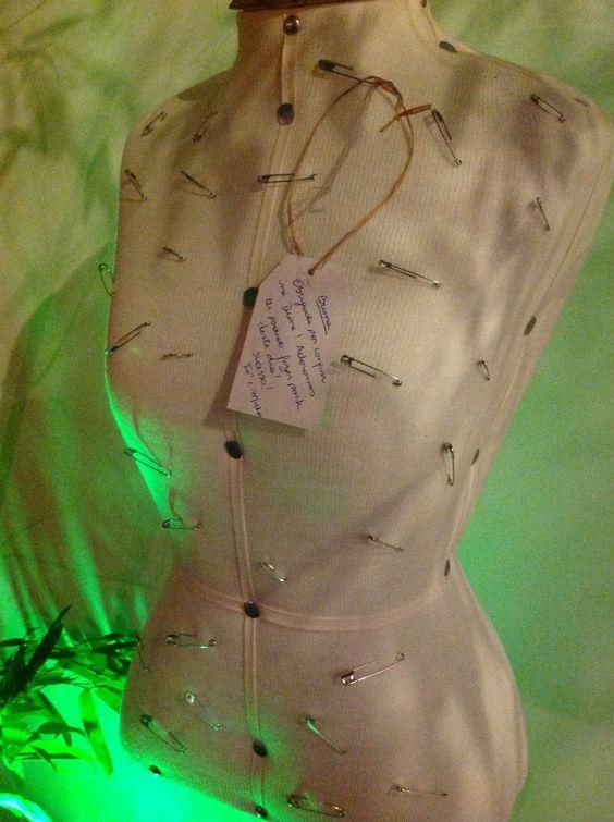 Busto como mural de recados - Formatura Bruna - Design de Moda