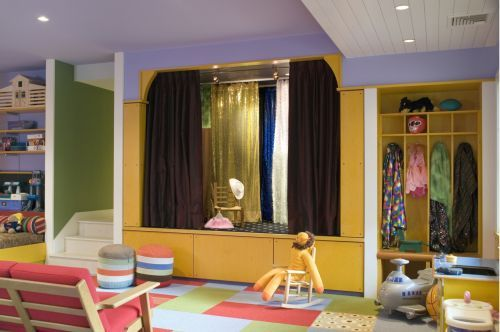 My kiddos will have one of these! A stage and dress up area!