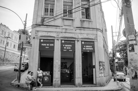https://flic.kr/p/HioWdP | Largo do Guimaraes | Rio De Janeiro, RJ, Brazil - March 07, 2016: Cinema in Largo do Guimaraes along the road of Santa Teresa District,  important point of Rio De Janeiro.
