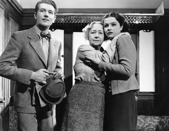 The Lady Vanishes (1938):