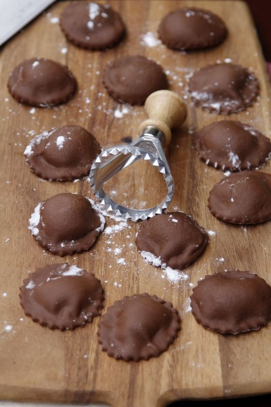 Chocolate Ravioli - omg this sounds outrageous! must try this soon!