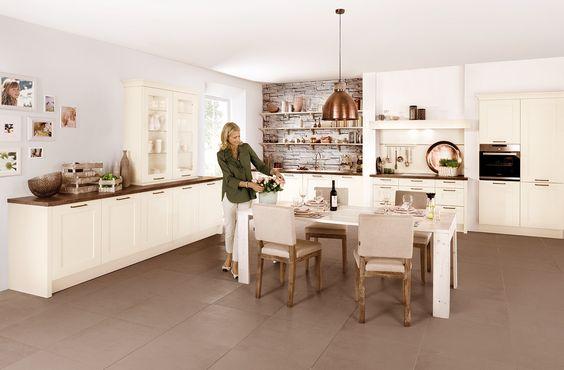 Oxford Ash E Ect Magnolia Laminated   Häcker Küchen   Häcker   Wandfarbe Zu Magnolia  Fronten