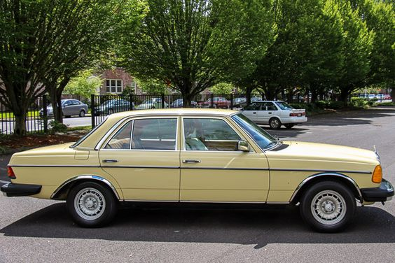 Mercedes-Benz 240D Diesel for sale @ LUXE Autohaus :: Luxury Auto Sales :: 888.688.LUXE [5893] :: Portland, OR USA