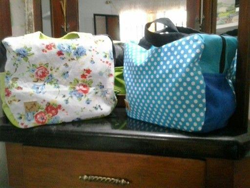 Lindas maletas o neceseres para viajes cortos.