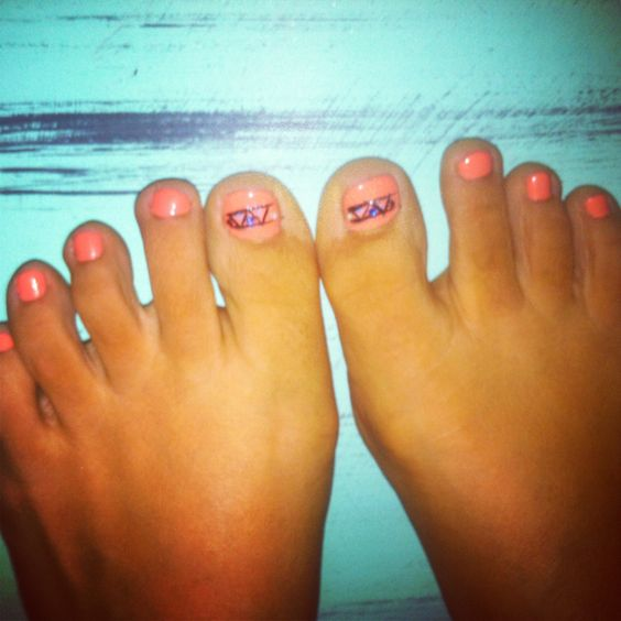 Coral tribal toes:))