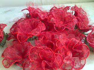 Forminhas para doces finosObra de Arte: Renda vermelha,um luxo!!!!
