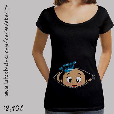 https://www.latostadora.com/conbedebonito/camiseta_cucu_bebe_asomando_cuello_ancho_38_loose_fit_negra/1421541