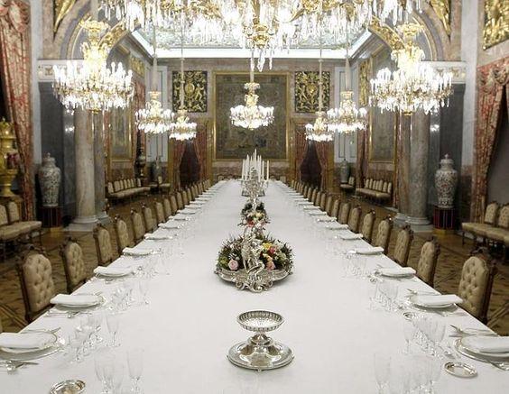 Comedor de gala. alfonso xii reconvirtió en 1879 las tres ...
