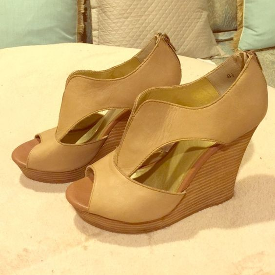 SEYCHELLES Leather Wedge Sandals in Nude (size8.5) Great sandal for spring/summer! Matches everything and looks great with shorts or a cute maxi/mini dress day or night! Excellent condition, barely worn. Seychelles Shoes Wedges