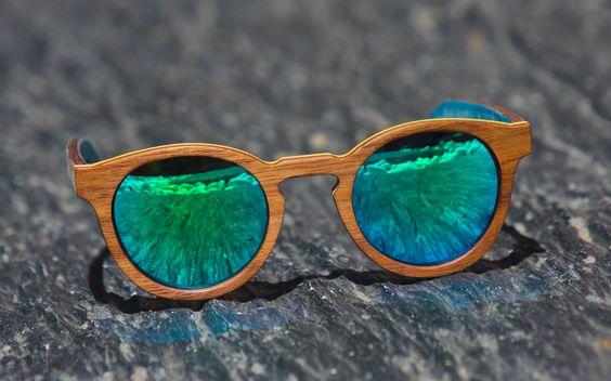 #gafasdemadera ASLIVE POKER WOOD Modelo Bahamas Walnut espejo azul Información en www.aslivepoker.com: