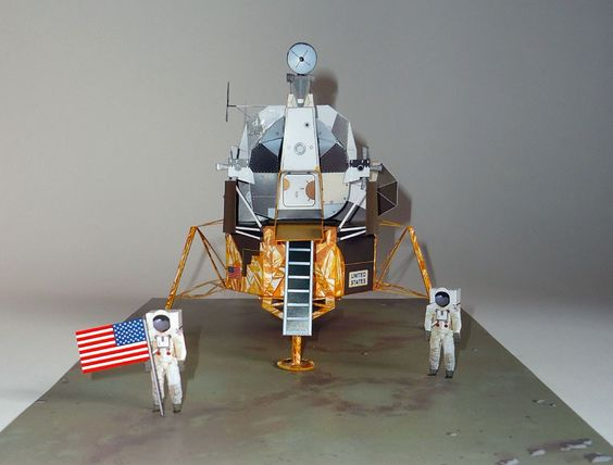 neil armstrong coloring sheet | Paper model 1/35 Diorama ...