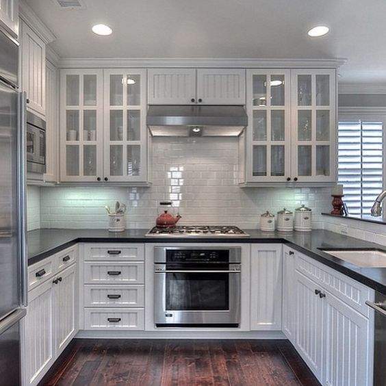 Such A Beautiful Kitchen With White Brick Pattern Tiles