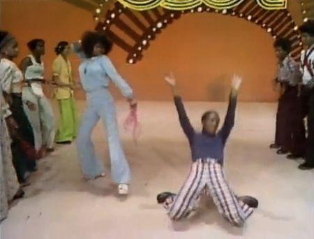 Soul Train Line Soul Train Soul Train Dancers Funny Gif