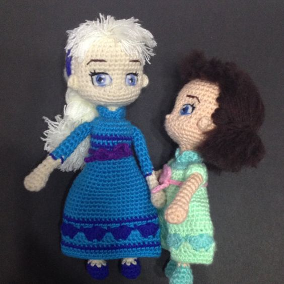 Amigurumi Elsa Ve Anna : Elsa+&+Anna+of+Frozen+Princesses+Amigurumi+PDF+by ...