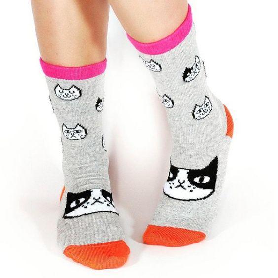 ¡Actitud frente al frío! Pueden encontrar estas medias felinas en la tienda online de @casamanita.  #catlovers #gemmacorrell #socks #fashion #design #MiTiendaNube