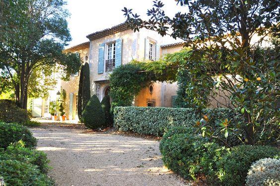 """Magnificent country estate situated in the """"natural parc des Alpilles», close to Les Baux de Provence and St. Rémy de Provence."""