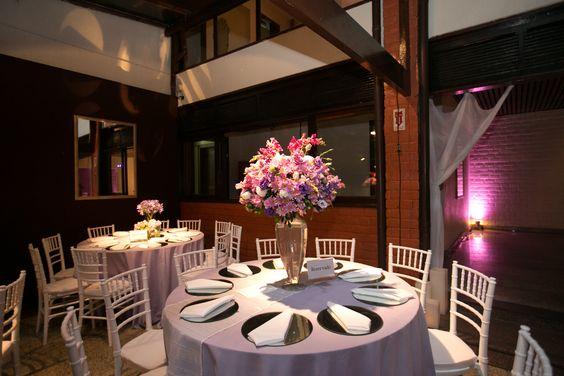 Raquel Matthieu  Decoração de casamento em tons de lilás