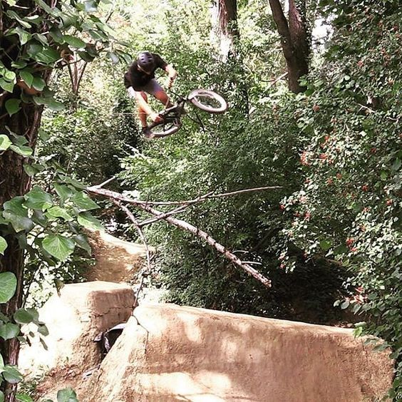 @jbalmabmx with a big one foot table at the #lasource trails jam!  @cristianrodriguez00  #bmx #flybikes #bike #dirt #style