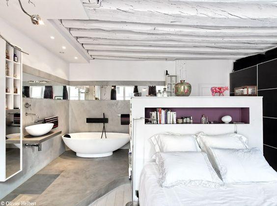 confort douillet d 39 une chambre ambiance cocooning avec une baignoire lot ovo de chambre d ami. Black Bedroom Furniture Sets. Home Design Ideas