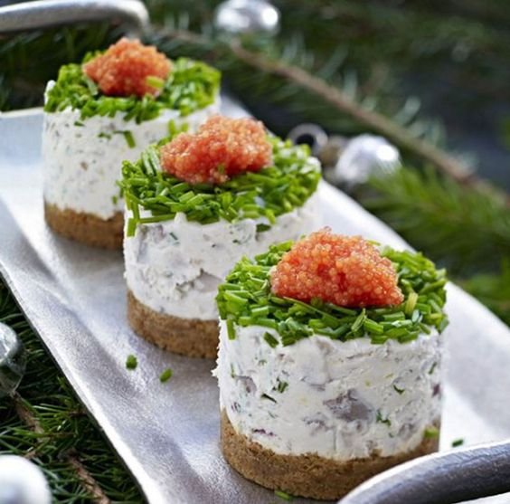 how to eat herring in sour cream