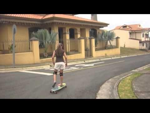 Sesión de Longboard en Altos de Montenegro, Alajuela, Costa Rica.    Invitados: Camila Campos, Ian Castaing.    Música: Strings - Young the Giants.