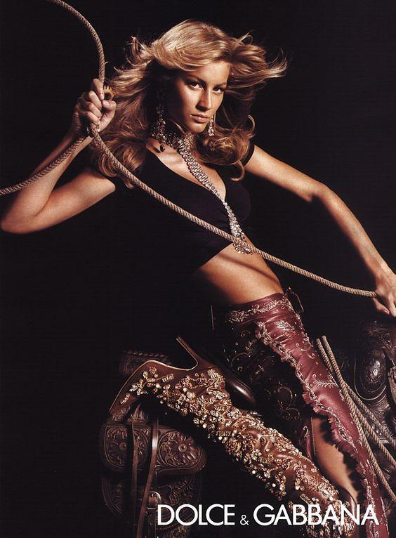 Campaign: Dolce & Gabbana Season: Spring 2001 Photographer: Steven Meisel Model(s): Gisele Bundchen. V
