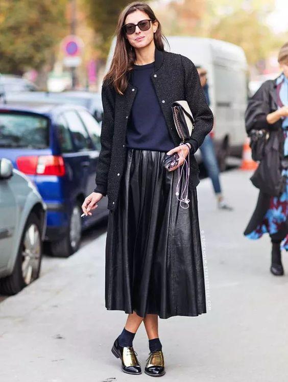 street-style-saia-midi-couro-eco-inverno-dicas: