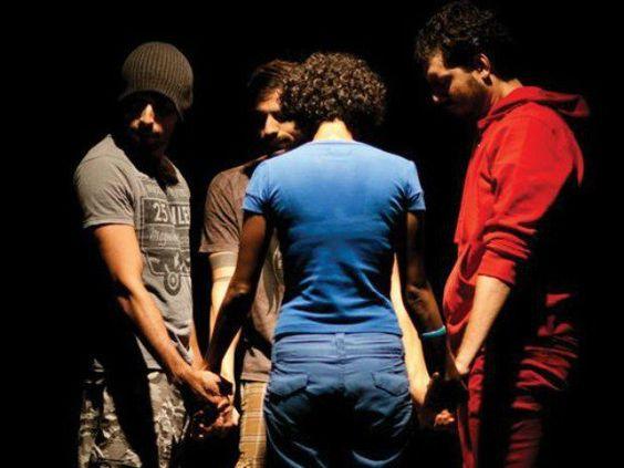 """Na quarta-feira, dia 18, o grupo baiano Dimenti apresenta o espetáculo de dança """"Tombé"""", no Teatro Sesc Arsenal, às 20h. A entrada é Catraca Livre."""