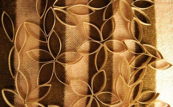 Flores hechas con rollos de cartón