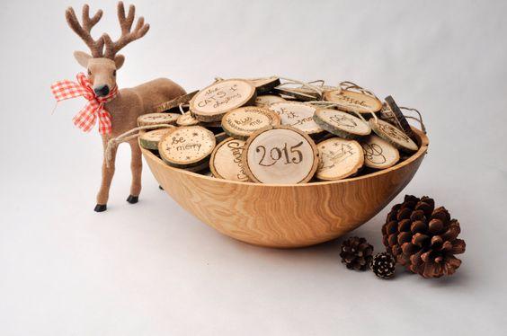 wooden christmas ornaments | christmas decoration | eco friendly decoration | wood burning | gift tag von StyrianWoodturning auf Etsy https://www.etsy.com/de/listing/245304708/wooden-christmas-ornaments-christmas