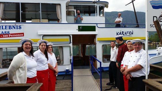 Das Hotel Almrausch****-Team empfängt seine Gäste auf der MS Seeboden, Millstätter See - ein kulinarischer Abend auf hoher See :)   www.almrausch.co.at