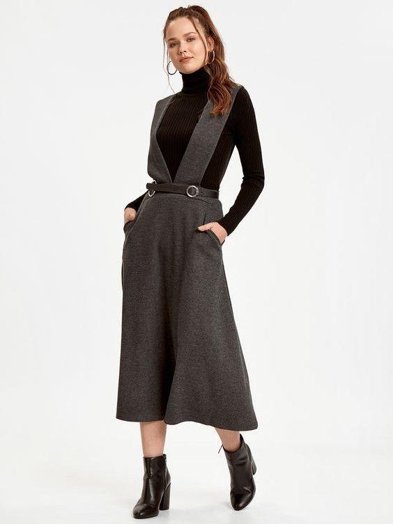 Lcw Bayan Elbise Modelleri Gri Midi Askili Cepli Elbise Siyah Bogazli Kazak Siyah Deri Topuklu Bot Moda Stilleri Elbise Siyah Deri