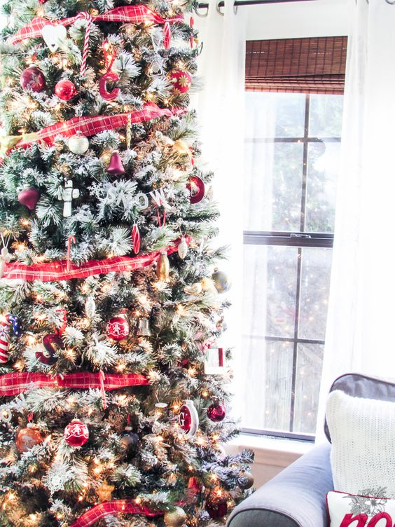 Christmas Tree Garlad, DIY Christmas Garland, Fast, Inexpensive and Easy DIY Fabric Garland