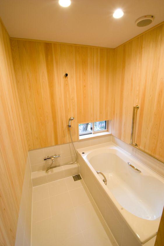 お風呂(大きな柿の木とおばあちゃんの家)- トイレ/バス事例 SUVACO(スバコ)