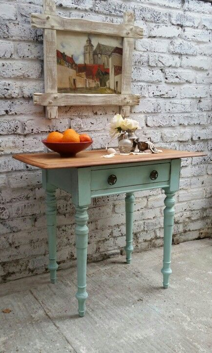 Side table in Annie Sloan