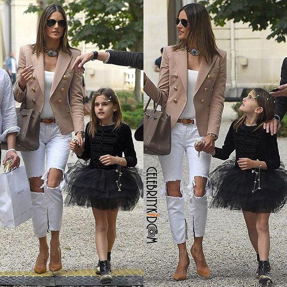Alessandra Ambrosio and Anja spotted sightseeing in Paris. #alessandraambrosio #anjamazur #celebritymom #celebritykids #instafashionkids #fashionkids #kidsfashion #celebritykidcam @alessandraambrosio