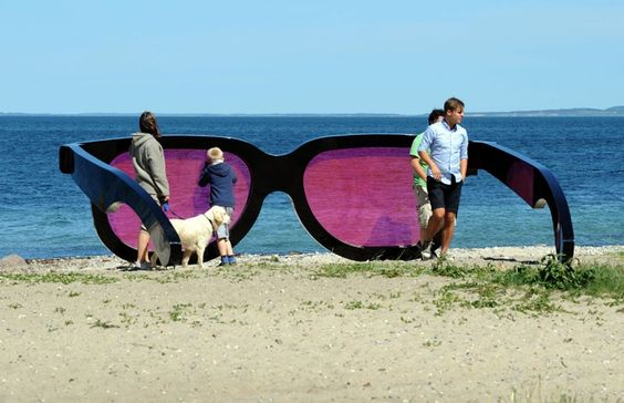 MARC MOSER SEA PINK   Comparison of Man to Glasses