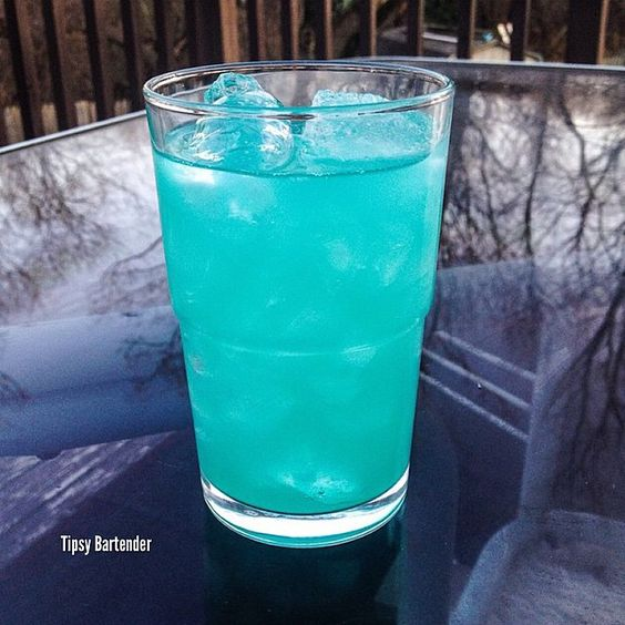 Holy Water Cocktail Tipsybartender Com Blue Curacao
