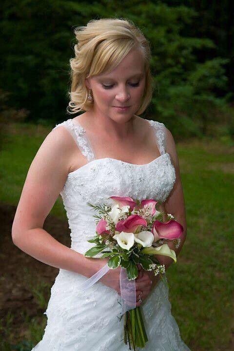Nicki at Hatcher Gardens, Spartanburg, SC. A gorgeous bride I worked with!
