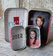 """What will you do with all those tiny extra school portraits? Make a mini homemade frame in an always-charming Altoids tin."""""""
