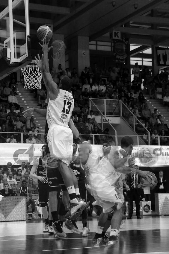 10th May // Aquila Basket Trento vs Bologna. Owens schiacciata