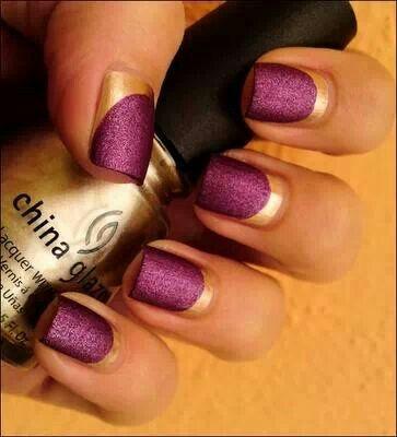 Gld and purple matt moon mani