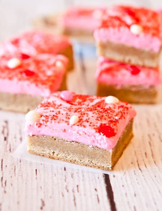 Snickerdoodle Cookie Bars with Pink Vanilla Cream Cheese Frosting. Cinnamon & sugary, chewy, & far less work than making cookies.: Cookie Bars, Cookies Bars, Sweet Valentine, Cream Cheeses, Cream Cheese Frosting