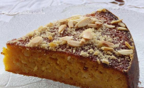 Dois ingredientes que nasceram para casarem bem com bolos: a amêndoa e a abóbora