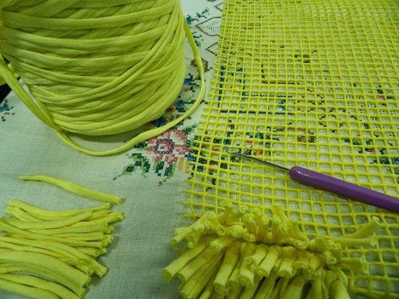 Artes anas alfombra de trapillo con nudo a mano o con aguja trapillo pinterest trapillo - Como hacer alfombras de nudos ...