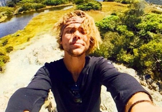 5SOS: Ashton Irwin teases 2016 tour & Luke Hemmings' favourite fan ...