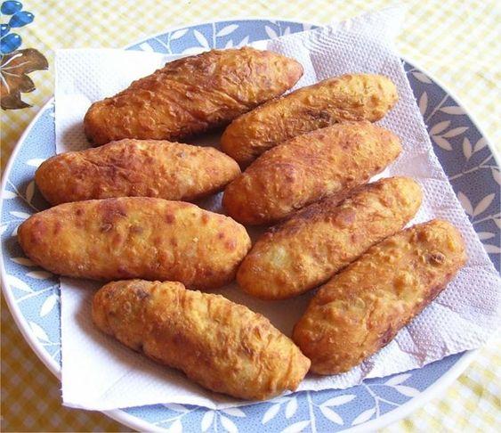 Esse bolinho de batata recheado é #MARA! O pessoal de casa vai ficar bem feliz quando você fizer!! - Aprenda a preparar essa maravilhosa receita de Bolinhos de batata recheados
