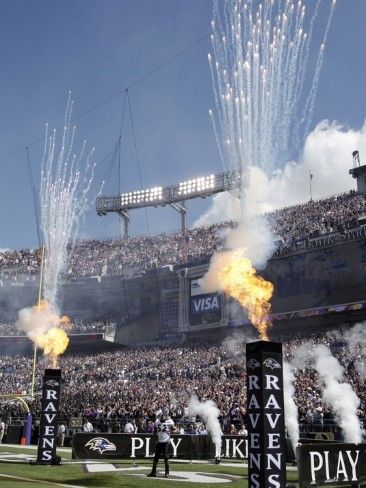 Chiefs Ravens Football: Baltimore, MD - Ray Lewis Enters M Bank Stadium Photographic Print