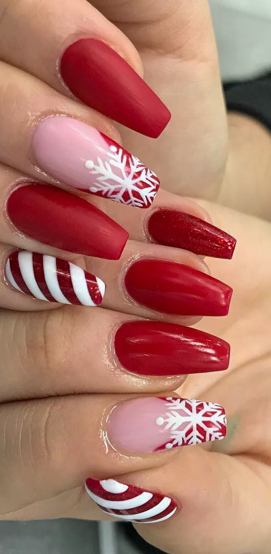 38+ Christmas Awesome Nails Design and Decoration Ideas